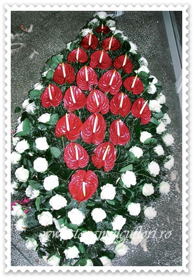 Coroane trandafiri si anthurium.001