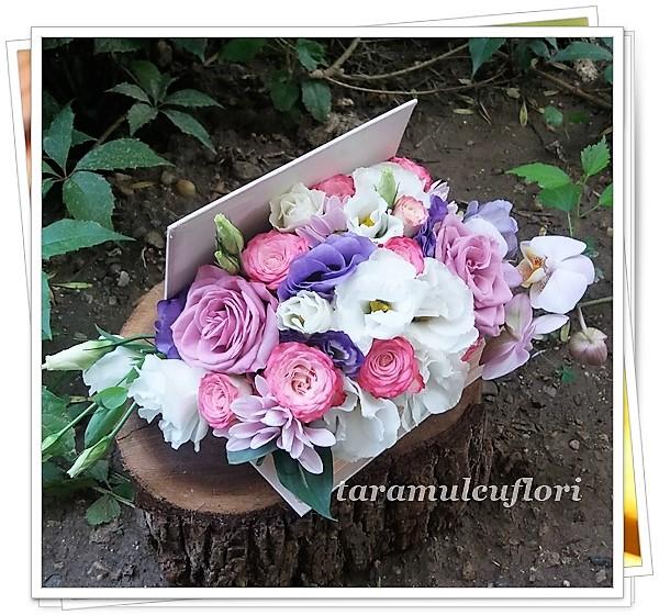 Carti cu flori-trandafiri si lisianthus.2821