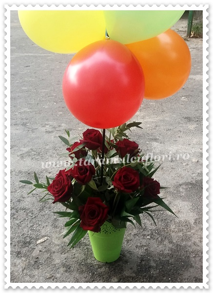Aranjamente florale trandafiri si baloane.1923