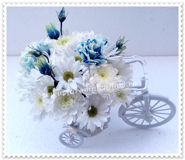 Biciclete cu flori,crizanteme si lisianthus.