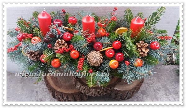 Aranjamente din brad si ornamente.3806