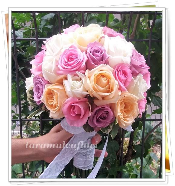 Buchete Mireasa Din Trandafiri Coloratitaramulcuflori