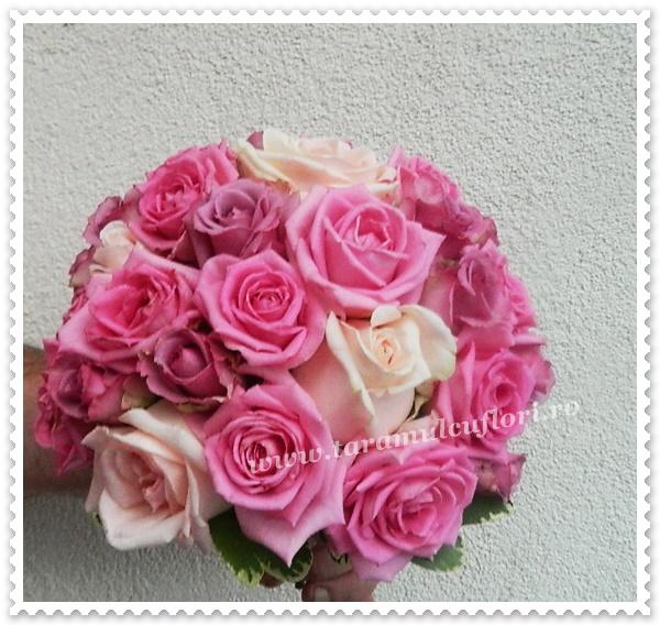 Buchete de mireasa trandafiri roz.0210