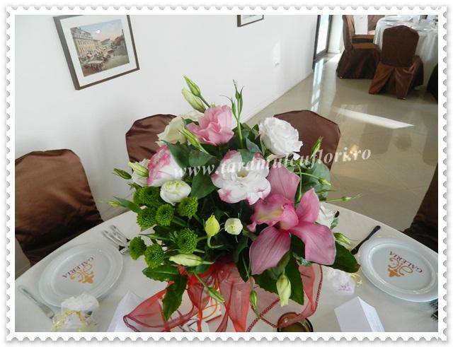 Aranjamente florale mese botez.3779