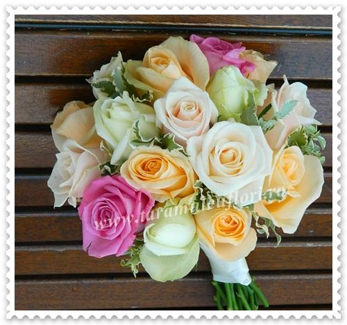 Buchete mireasa din trandafiri.4135