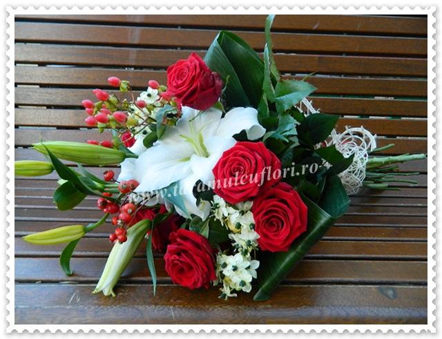 Buchete de flori-trandafiri si crini.4260