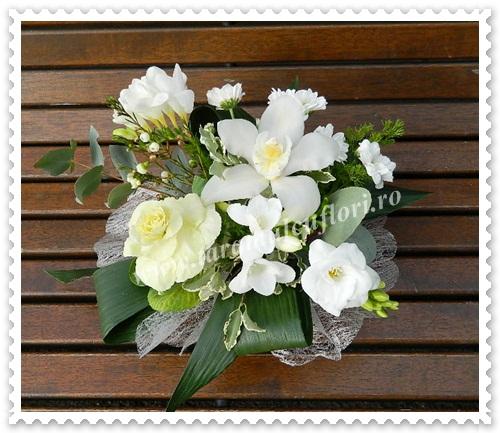 Aranjamente florale.Cosuri cu flori.5677