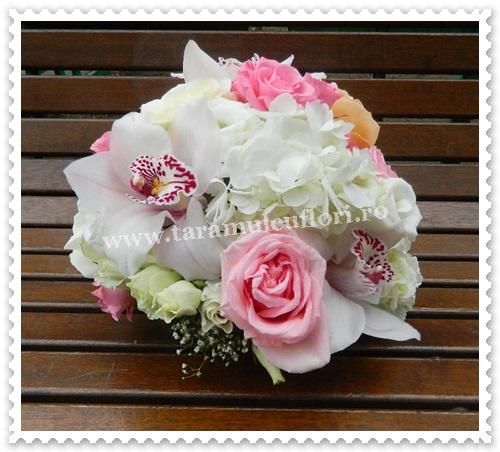Aranjamente florale mese.5824