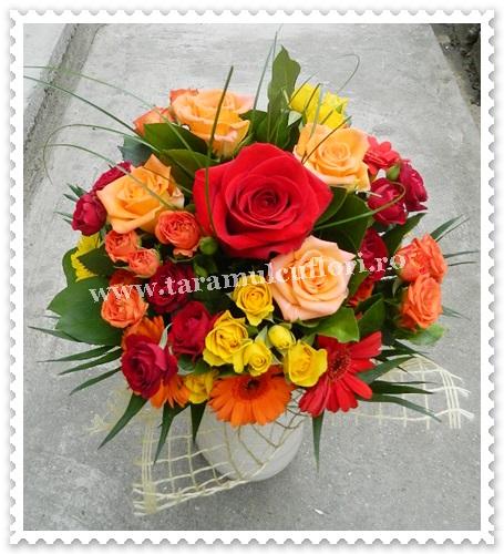 Buchete din trandafiri-miniroze si gerbera.5976