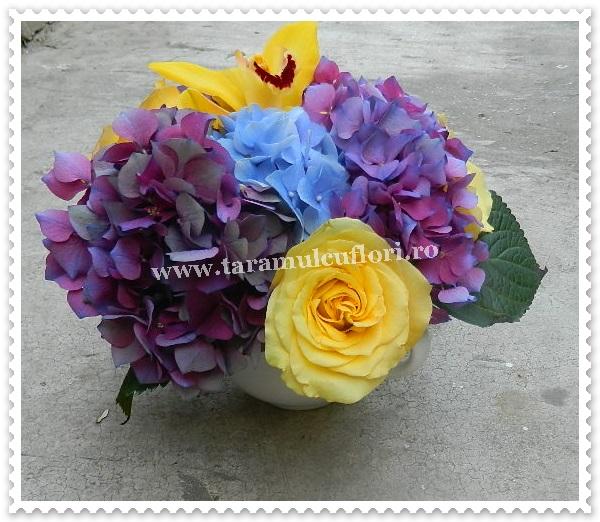 Aranjamente florale mese.6184