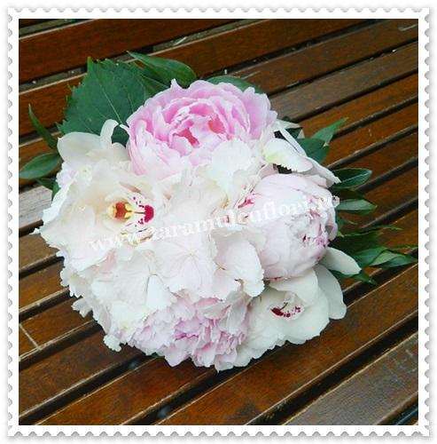 Buchete mireasa hortensie bujori orhidee.6329