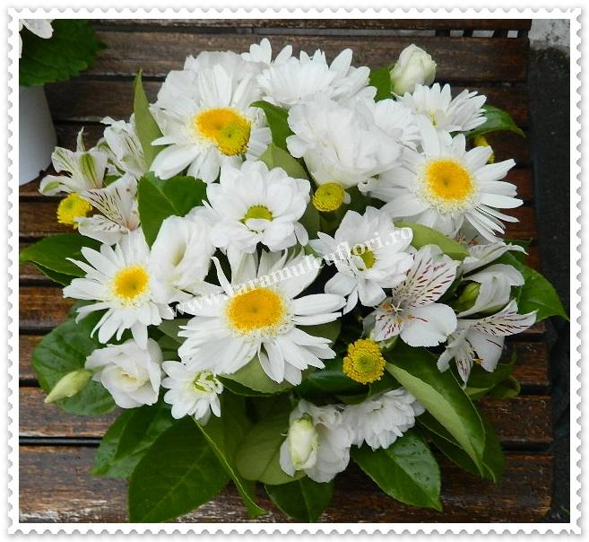 Aranjamente florale mese.6385