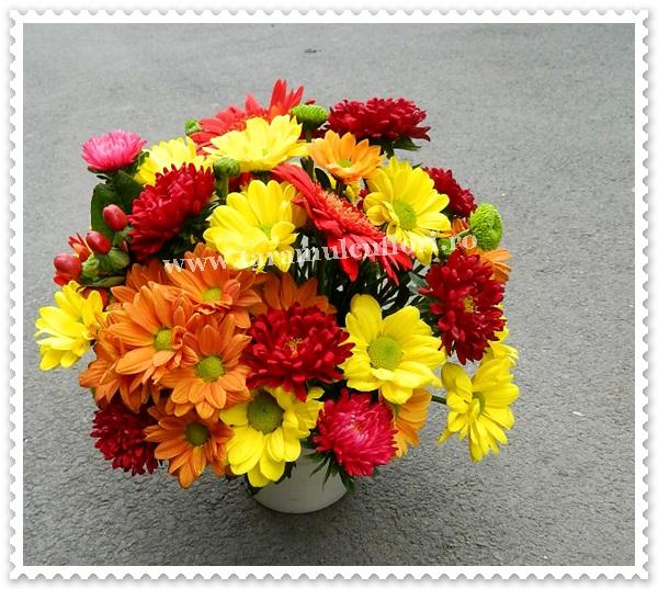 Aranjamente florale mese.7393