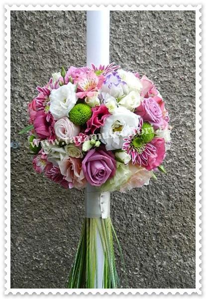 Lumanari nunta trandafiri lisianthus alstroemerie.
