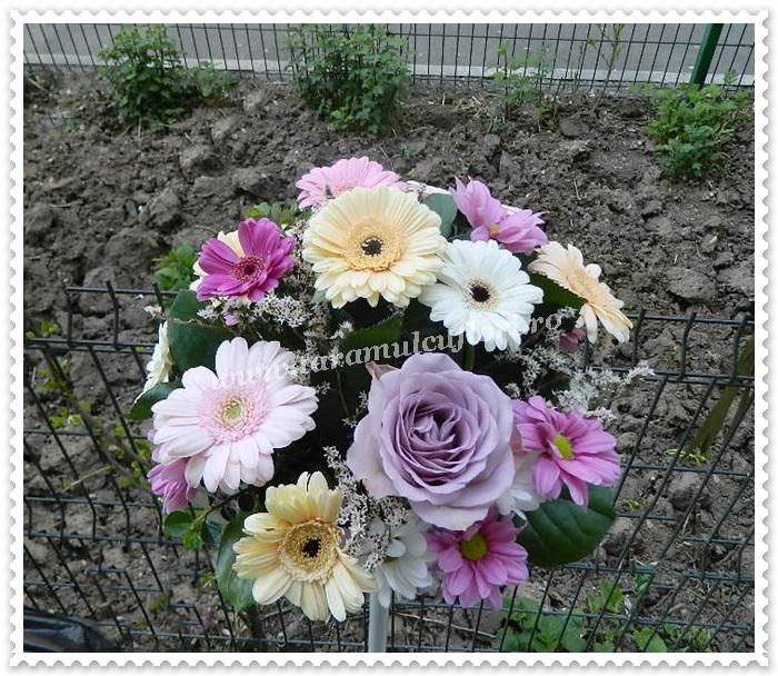Aranjamente florale mese.8584