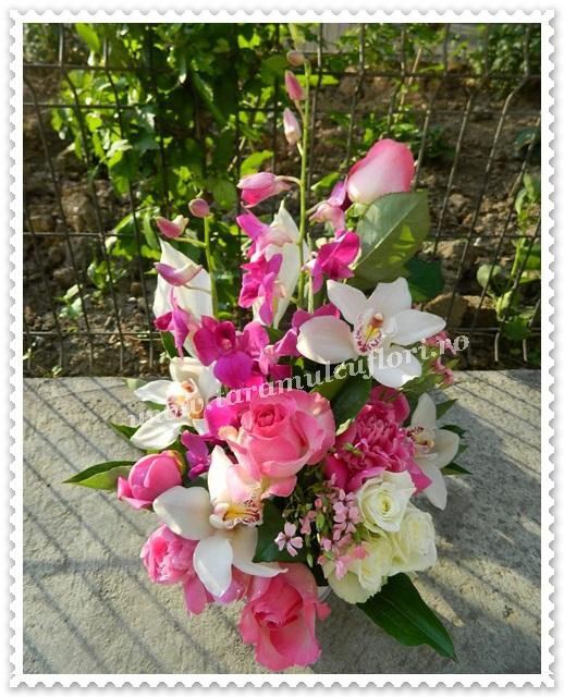 Aranjamente florale.Cosuri cu flori.8636