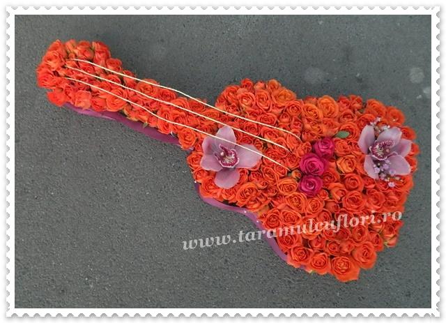 Chitara din flori.9583