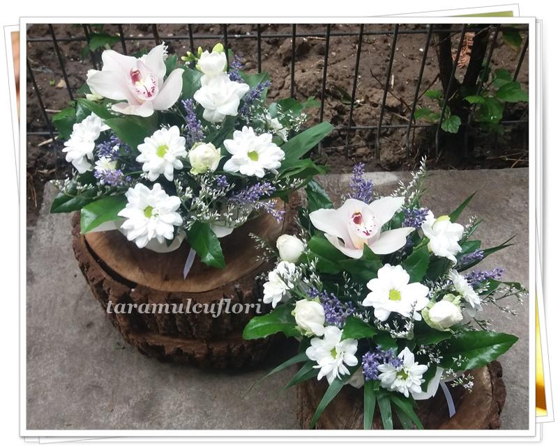 Aranjamente florale mese cu levantica.5118