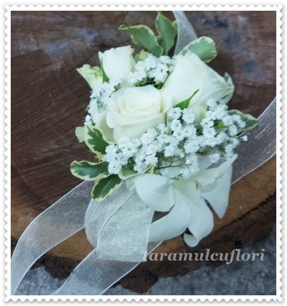 Corsage nunti din miniroze si orhidee.2282