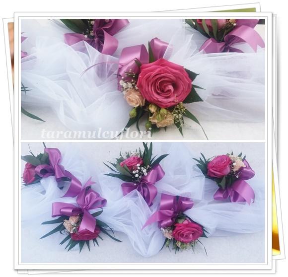 Aranjamente cristelnita din tul si flori.4301
