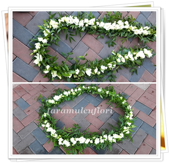 Ghirlande cristelnite botez -flori albe.4238