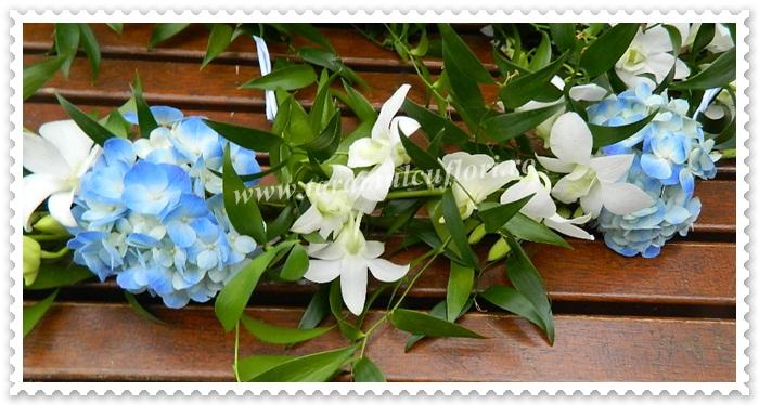 Aranjamente cristenite din hortensie si orhidee.0036