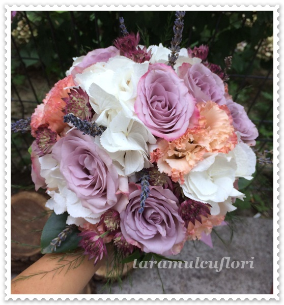 Pachete flori nunti-trandafiri.103